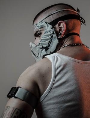 Image of SNEAKER MASK - / GREY - BLACK / HEAD PIECE