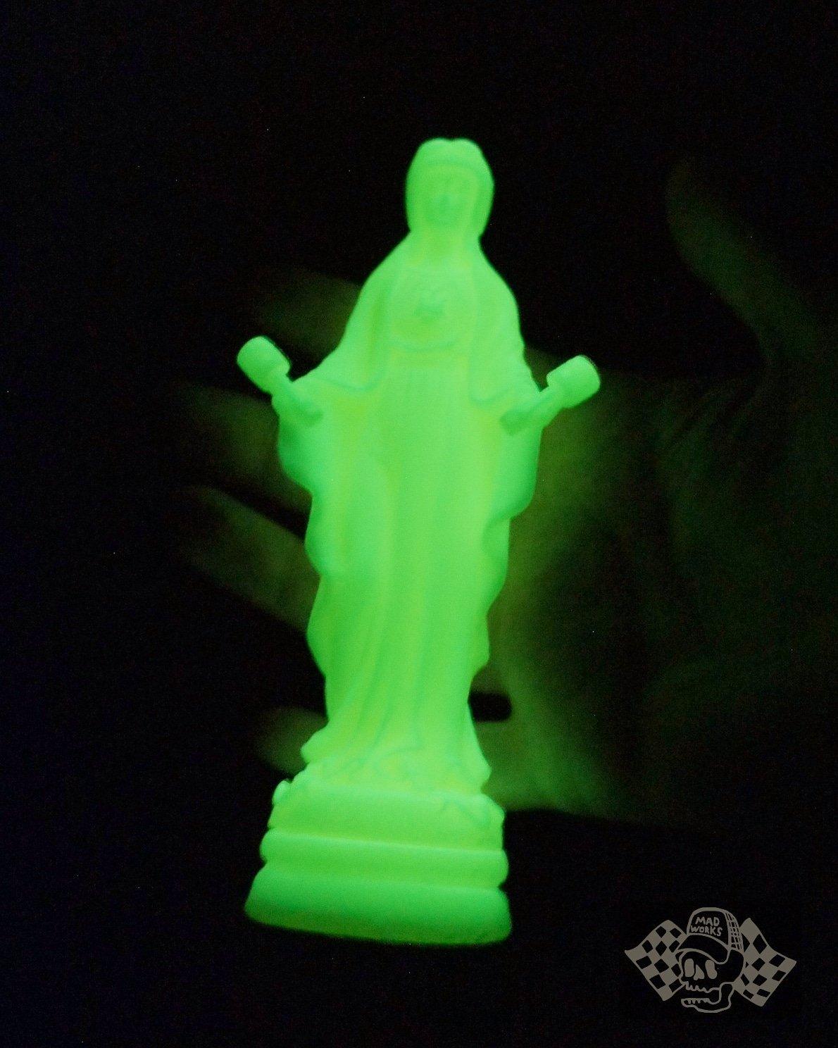 Image of Virgen de los Pistones Glow