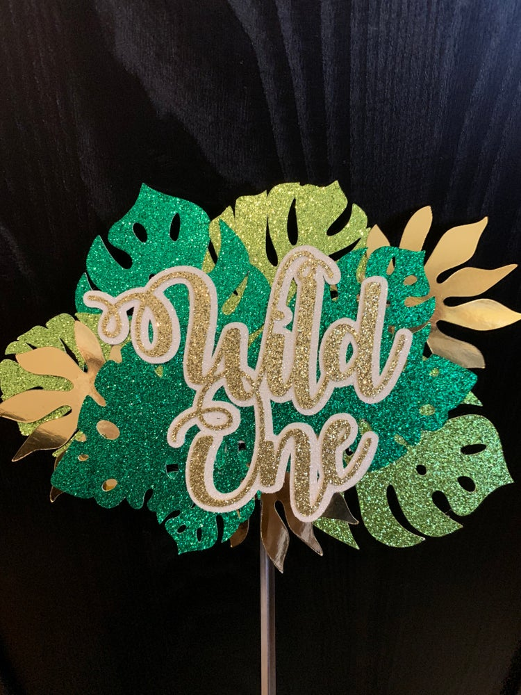Image of Custom text, leaf topper