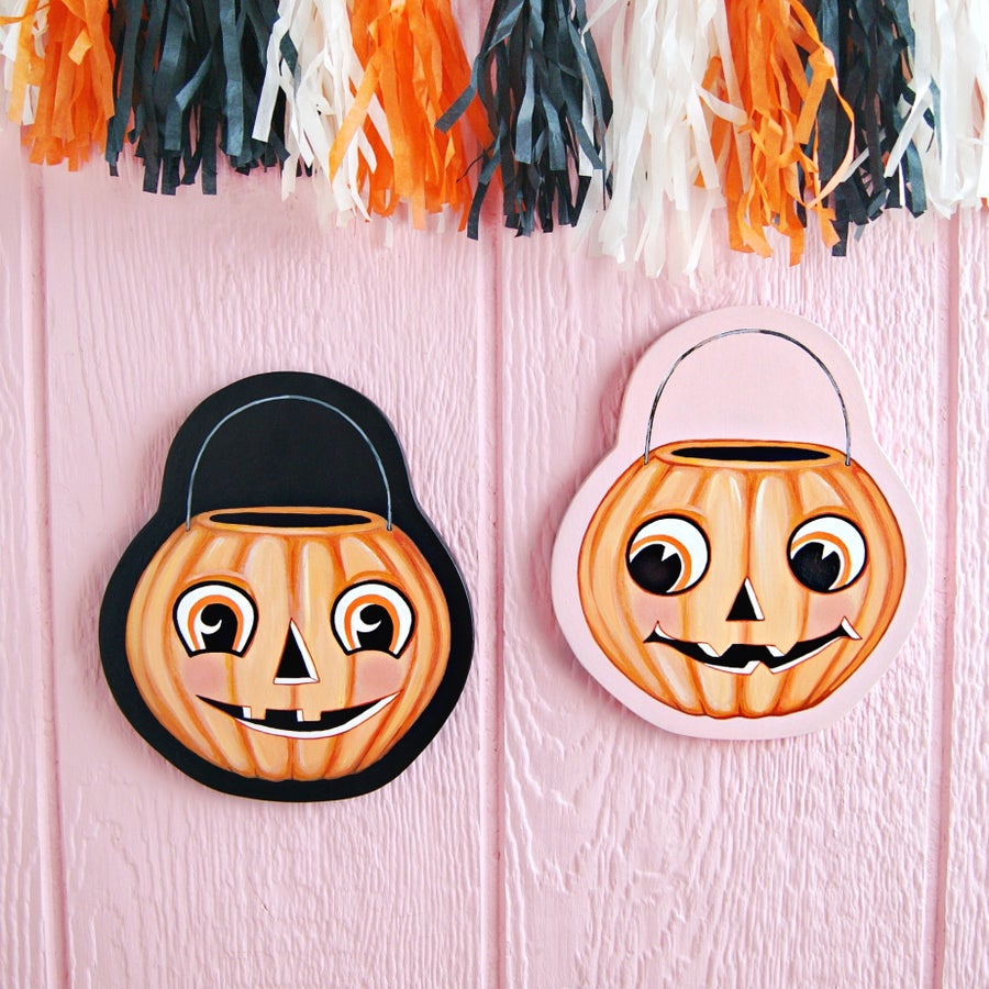 Image of Jack o' Lantern treat bucket plaque (your choice black or pink)