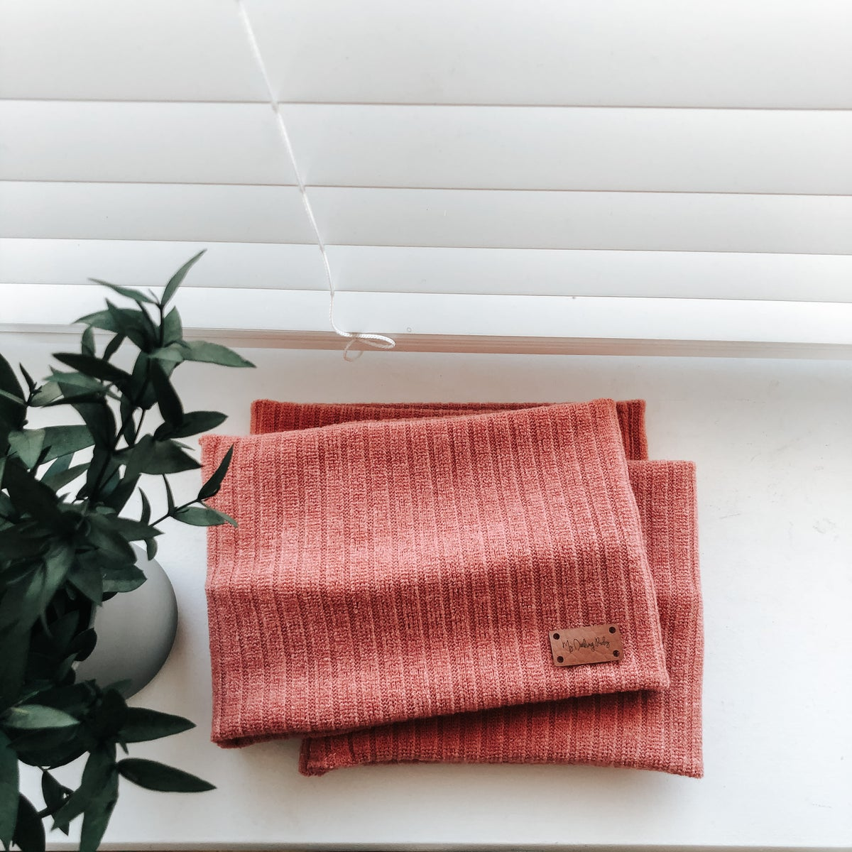 Image of Coral Snood