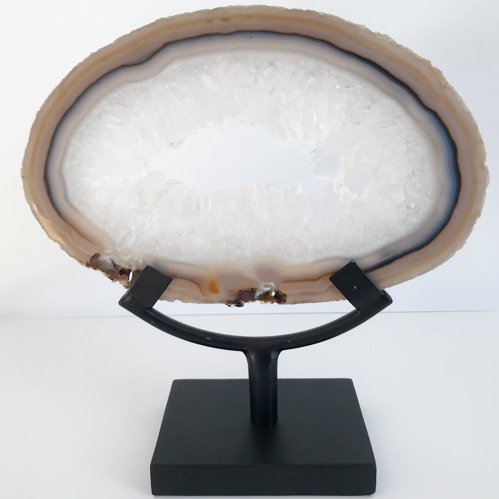 Image of  Quartz/Agate Slice no.10 + Matte Black Stand