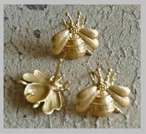 Image of Boucle d'oreilles puce : Bee