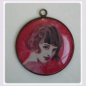 Image of Médaillon résine :  Artist faces