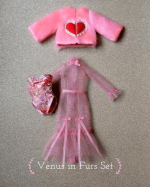 Image of Lounging Linda ~ Venus in Furs Set