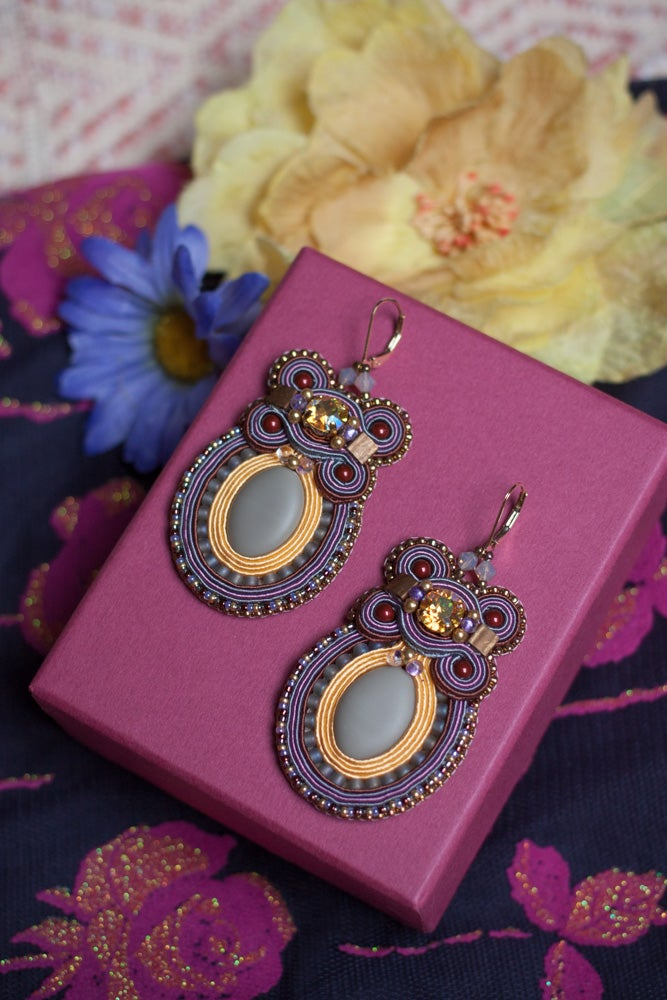 Image of Holly Earrings - Dacha - Boucles brodées