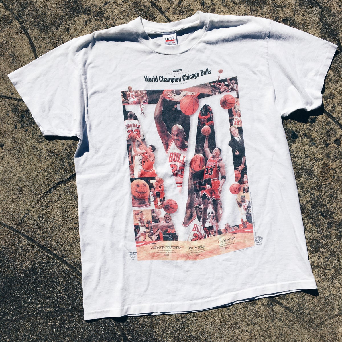 """Image of Original 1998 Chicago Bulls """"Front Page"""" Championship Tee."""