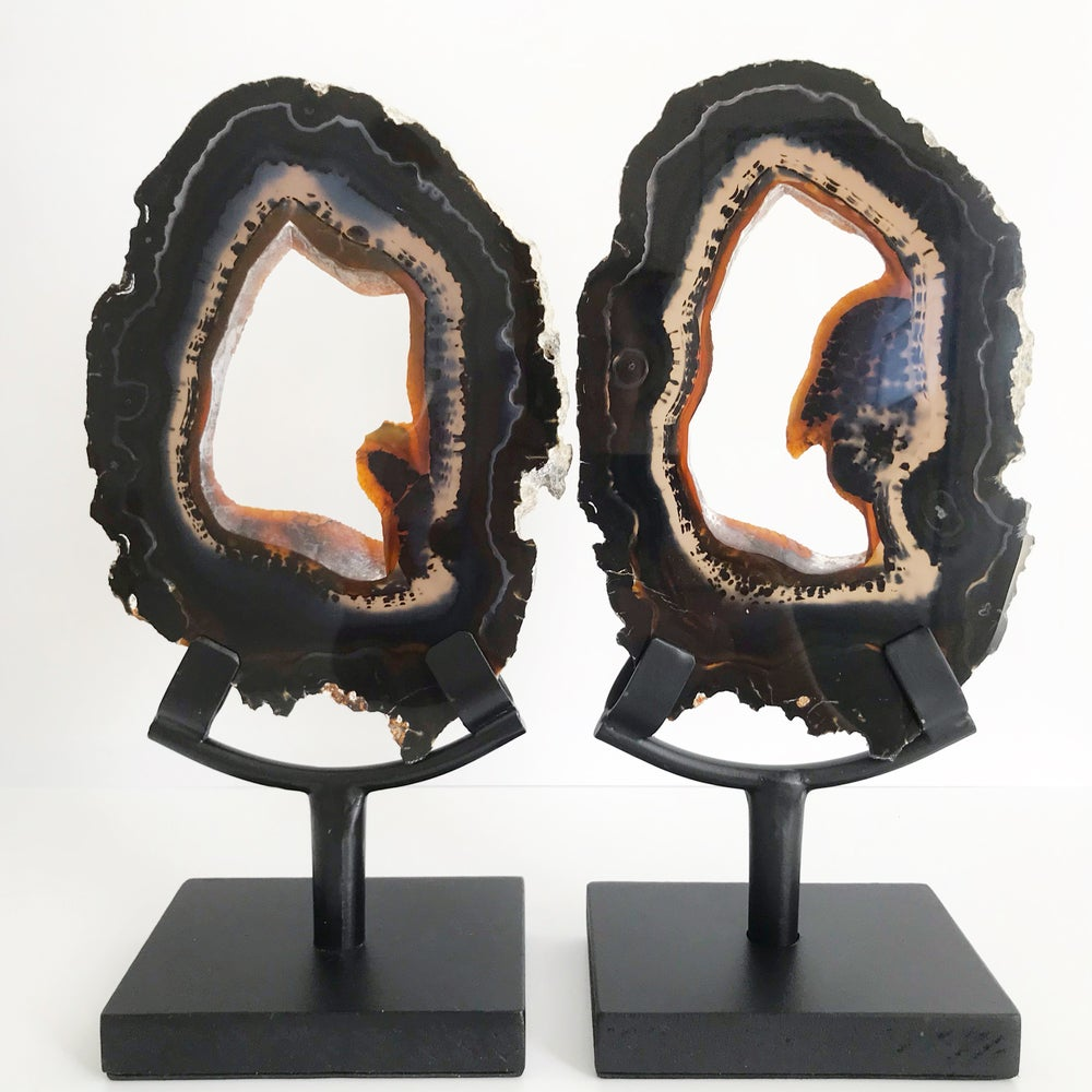 Image of Agate Slice no.30 + Matte Black Stand