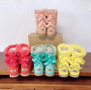 Image of Tall Bailey Bow Uggs