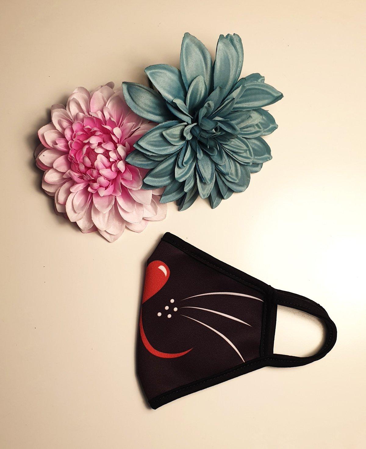 Image of Mascarilla gatito fondo negro