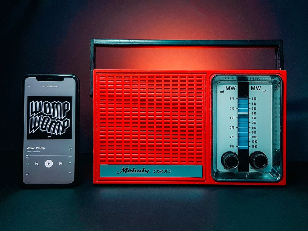 Image of MELODY 0200 RED (1978) RADIO VINTAGE BLUETOOTH