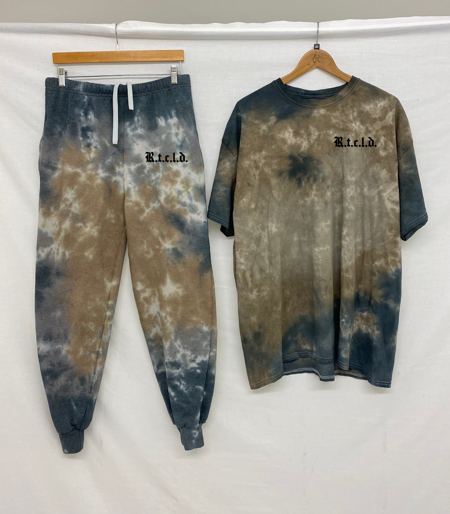 Image of Autumn T-shirt & Joggers