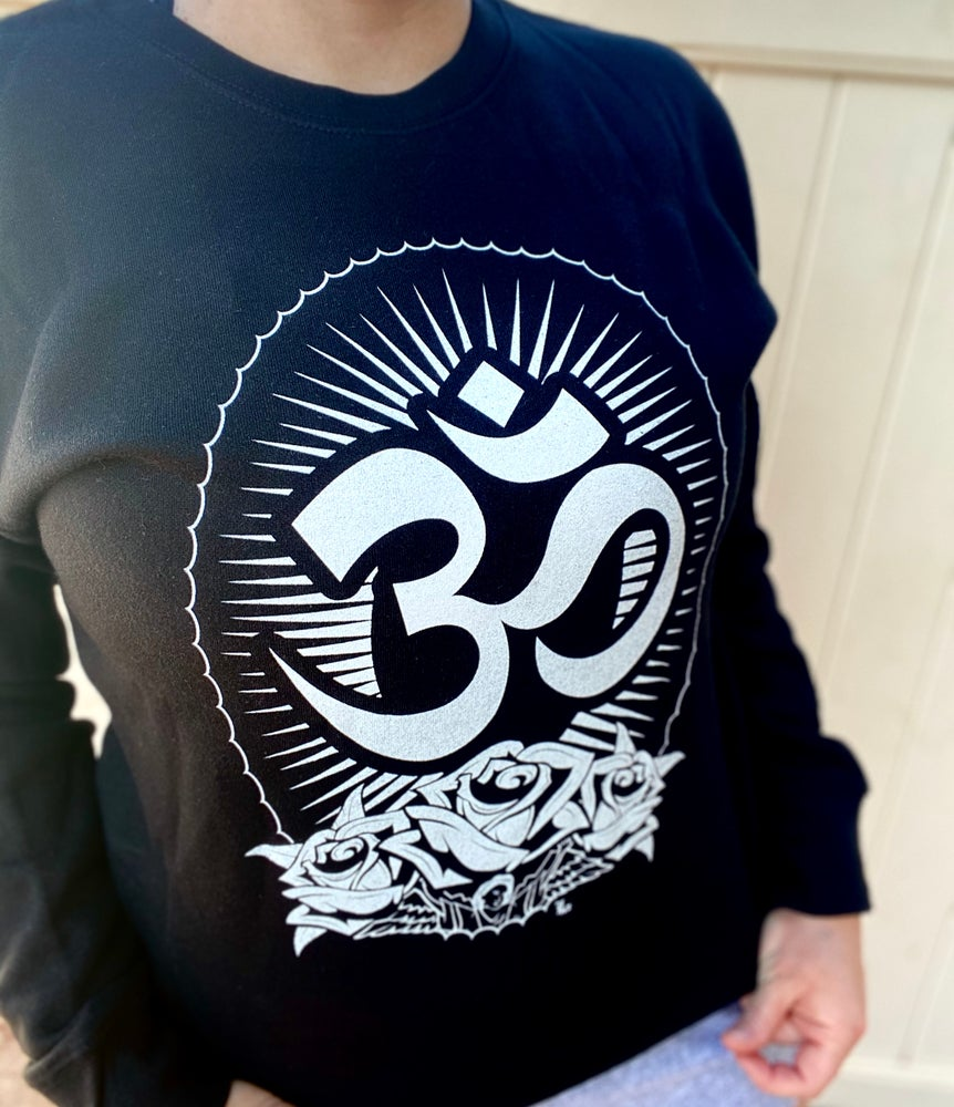 Image of Om Crewneck