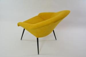 Image of Fauteuils coquilles jaunes
