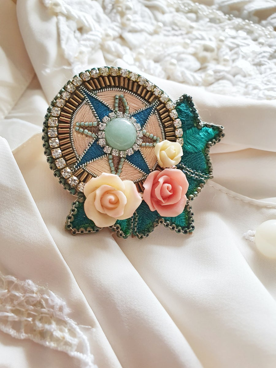 Image of Broche LA ROSE DES VENTS