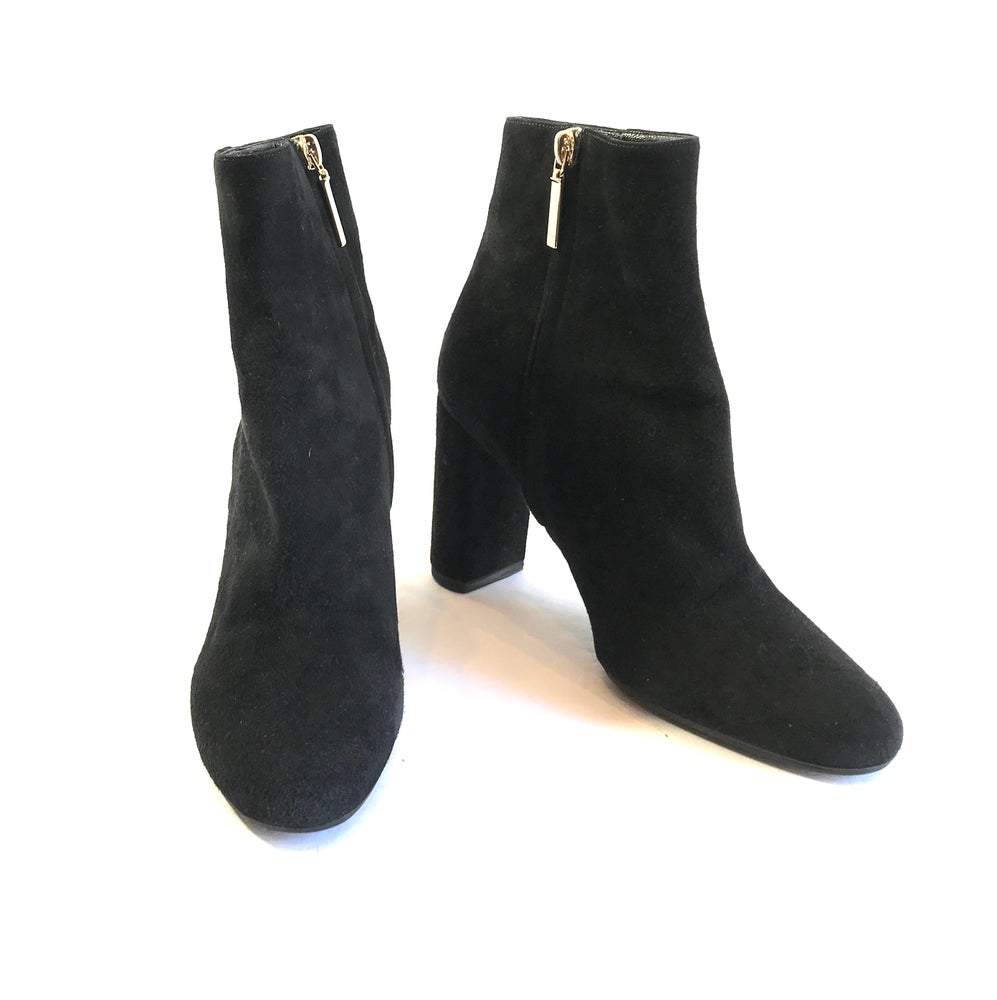 Image of YSL Size 38.5 Booties 992-6