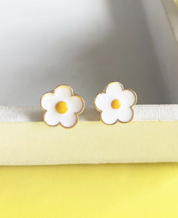 Image of FLOWER POWER STUDS
