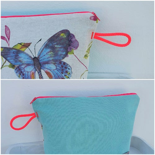 Image of Large Wash Bags 1