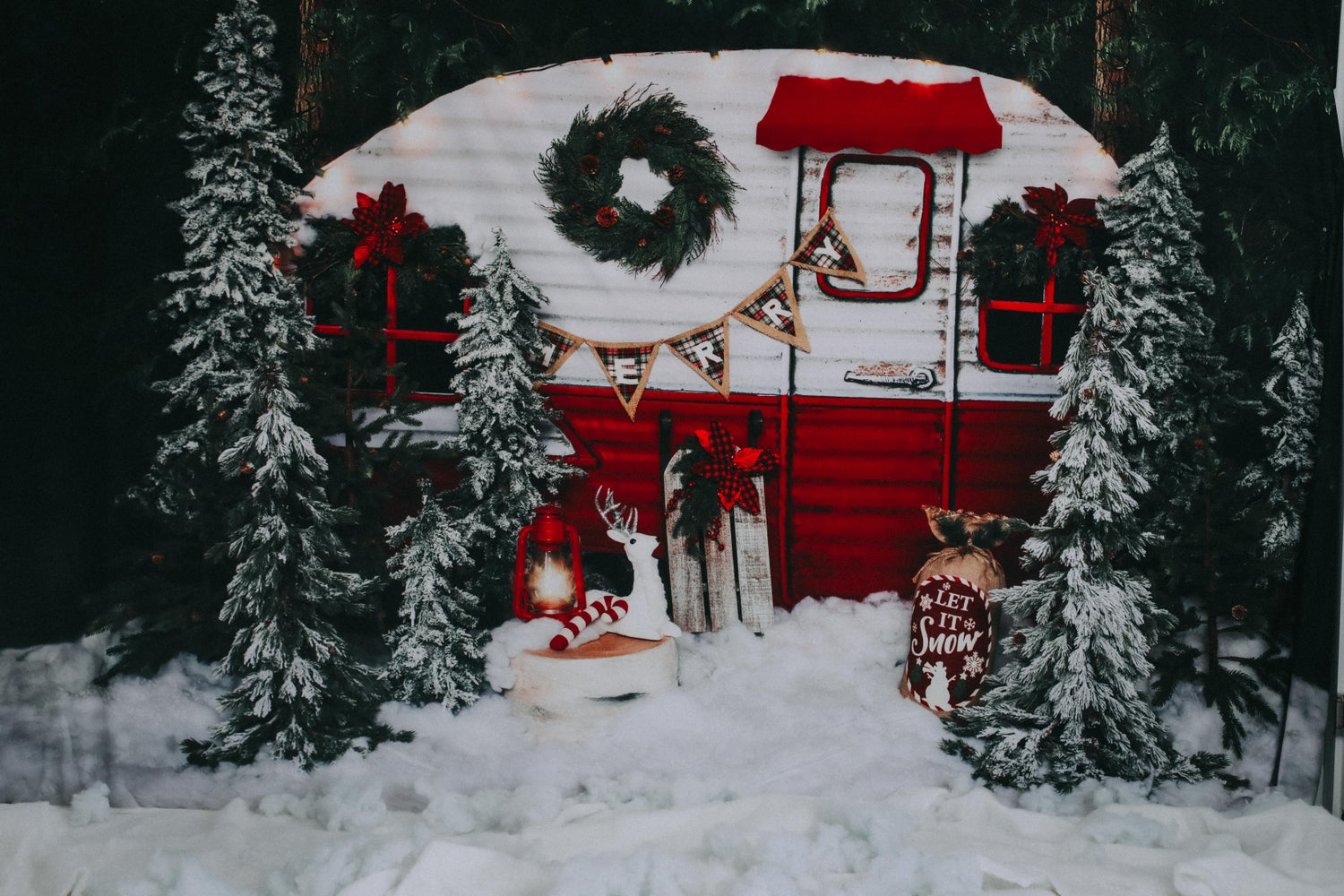 Image of Christmas Camper, Xmas Truck & More