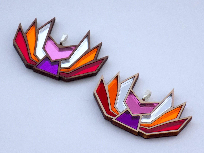 Image of Lesbian Pride Kitsune Necklace