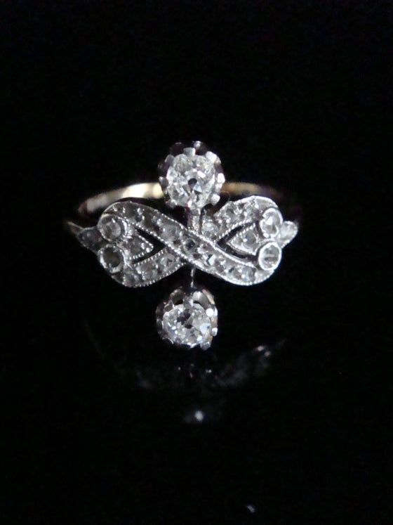 Image of Edwardian 18ct platinum old diamond toi et moi rose cut diamond ring