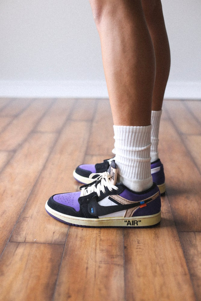 "Image of Jordan 1 low ""court purple"""
