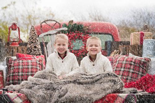 Image of Saturday Nov 28 - Regular Mini - Outside Red Xmas Truck  & Inside Xmas Bed Setup
