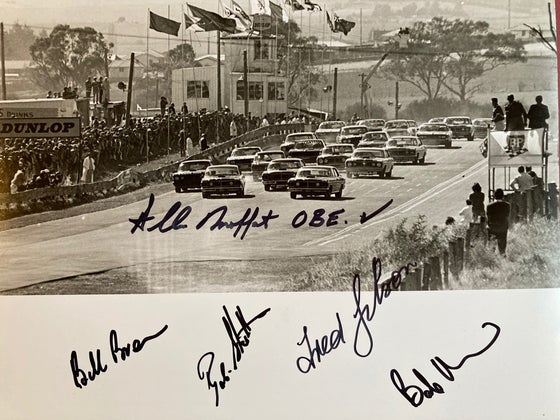 Image of Bathurst 1971 Race Start. Hardie Ferodo 500. 5 Driver Autographs
