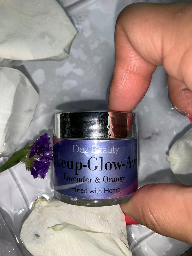 Image of Makeup-Glow-Away ✨