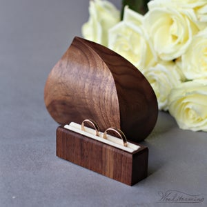 Image of Double wedding ring box - The Wave