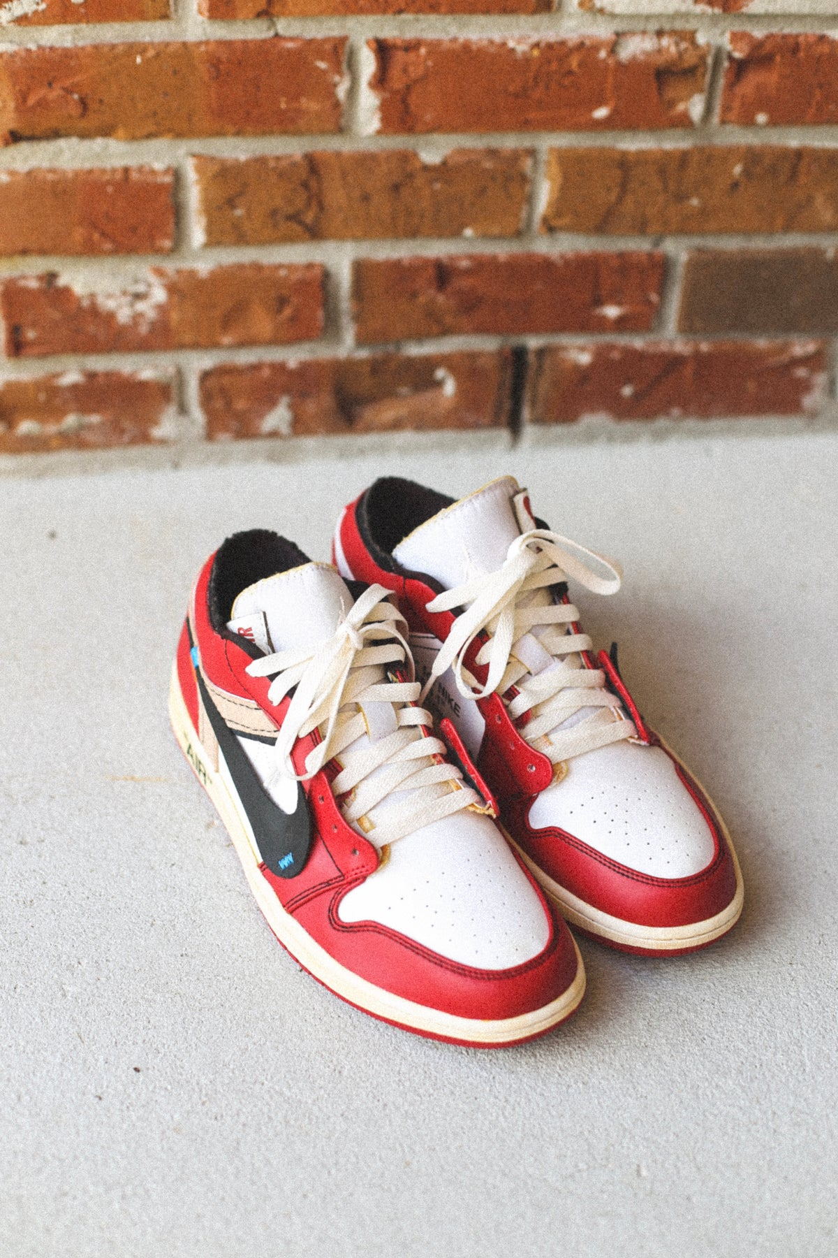 "Image of Reworked Chicago 1 low ""off-white"" (aged and reshaped)"