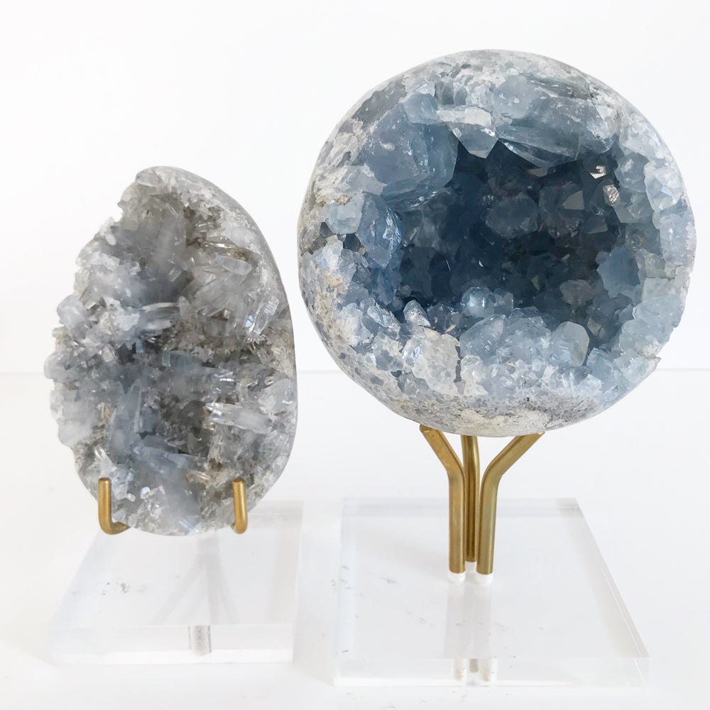 Image of Celestite no.10 + Three Prong Lucite and Brass Stand