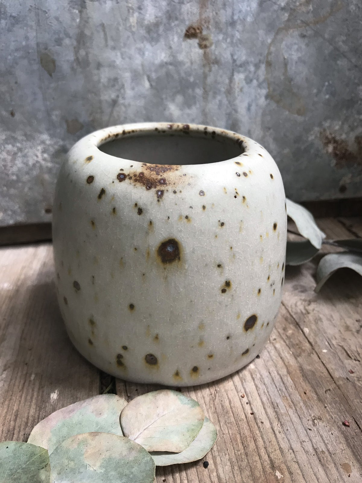 Image of Quail speckle small vase 1