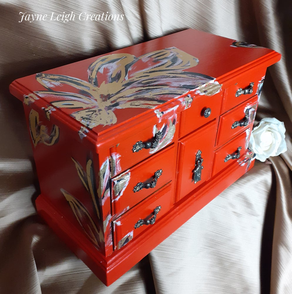 Image of Oriental Lily Jewellery Box