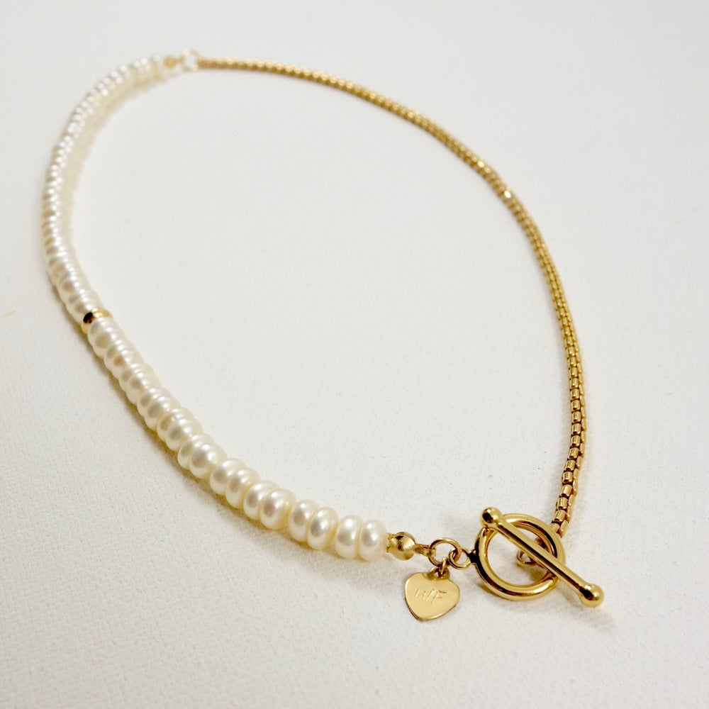 Image of String of Pearl Toggle Choker