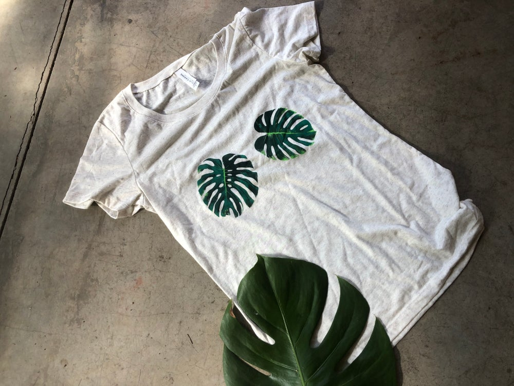 Image of Monstera t-shirt, gray, size Medium