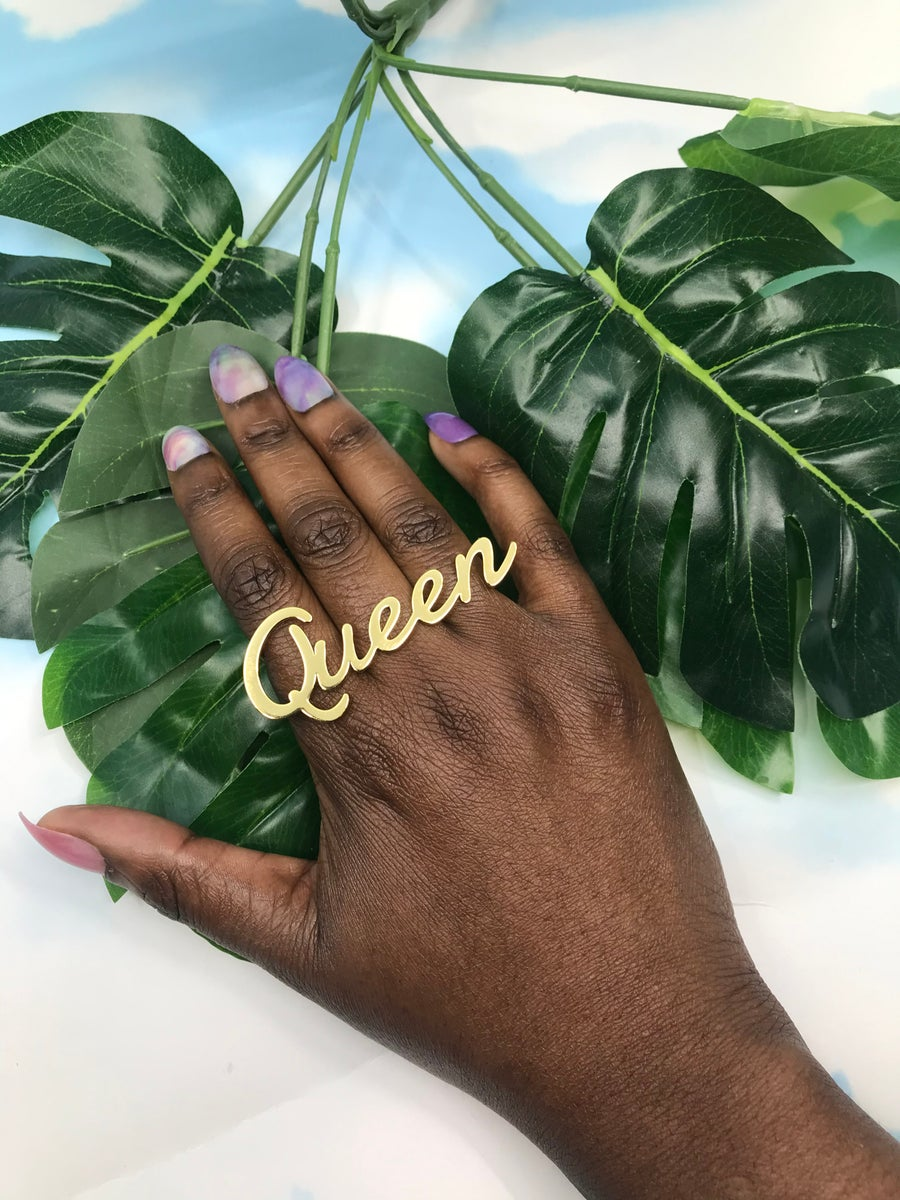 Image of Queen knuckle ring