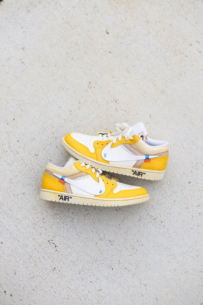 "Image of Aged ""canary yellow"" lows"
