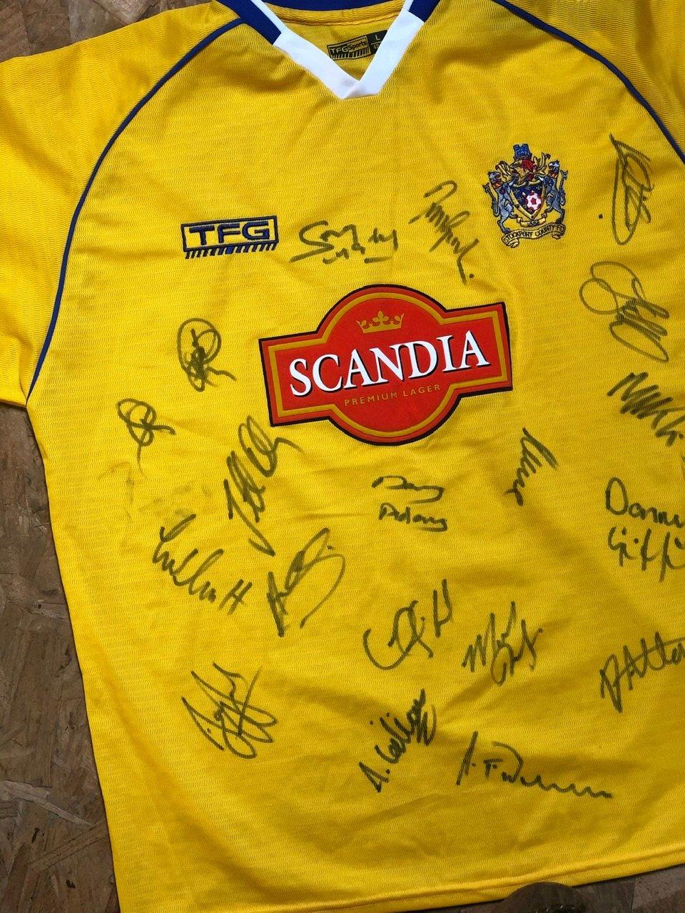 Image of Replica 2003/04 signed TFG Away Shirt