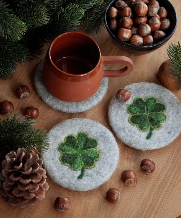 Image of WOOL COASTER Set of 2 - Lucky four-leaf clovers