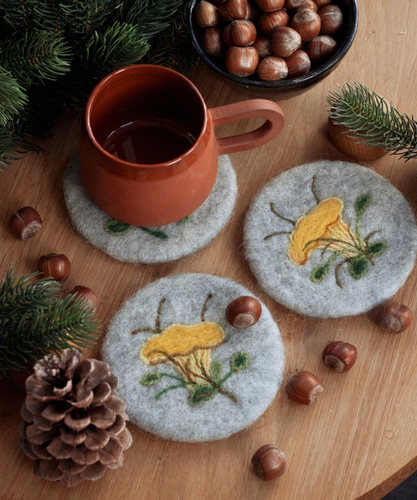 Image of WOOL COASTER Set - Chanterelles