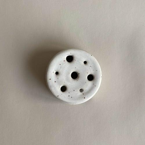 Image of Speckled ceramic bowl + frog set/ single flower frog