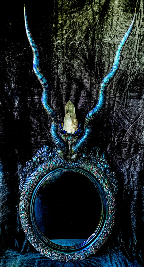Image of Dragonfly Glazed Crystallized Blackbuck Spiral Horned Mirror.
