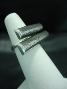 Image of 'Logs' ring