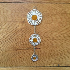 Image of Camomile Daisy Chain Ornament