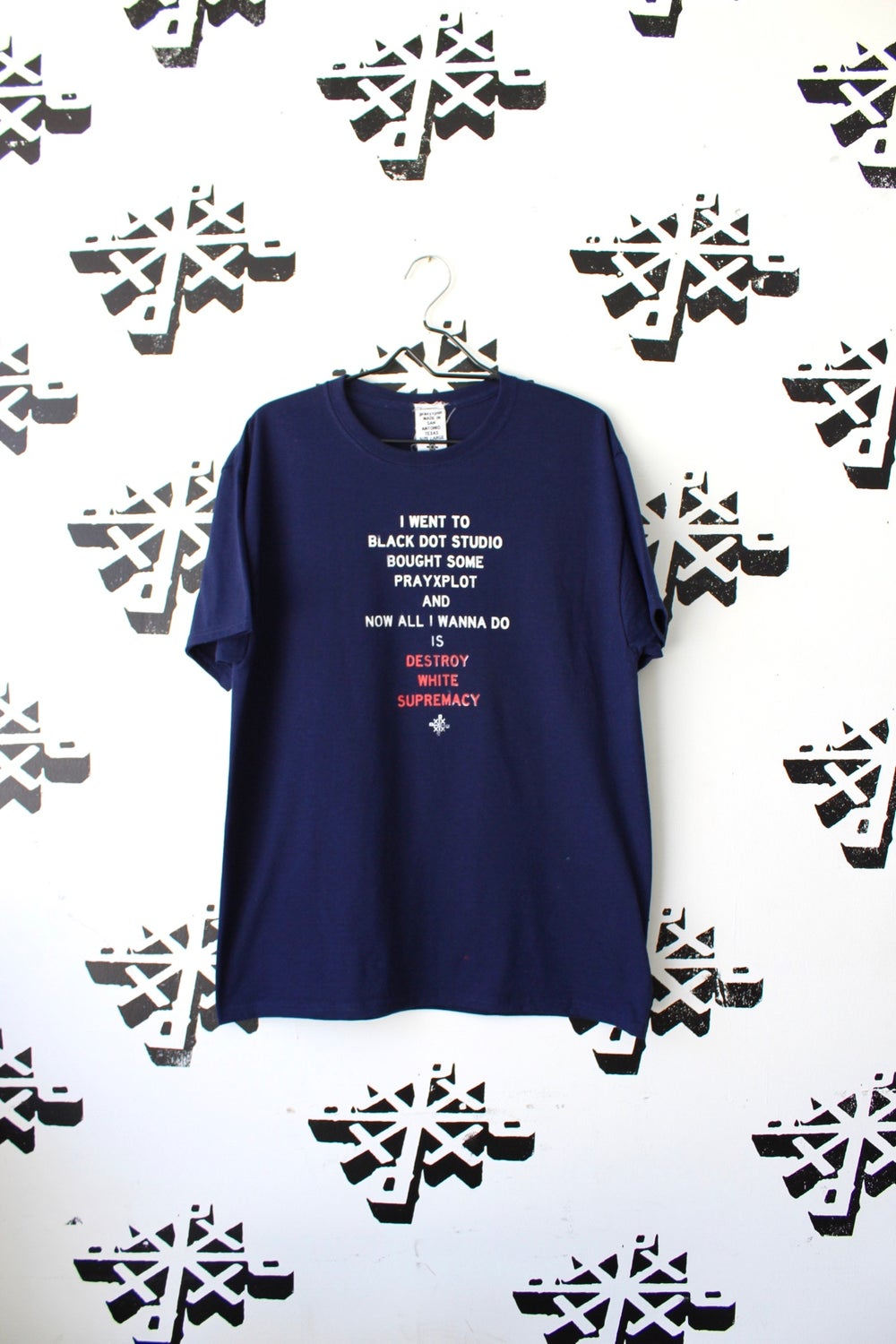 now all i wanna do is tee in navy blue