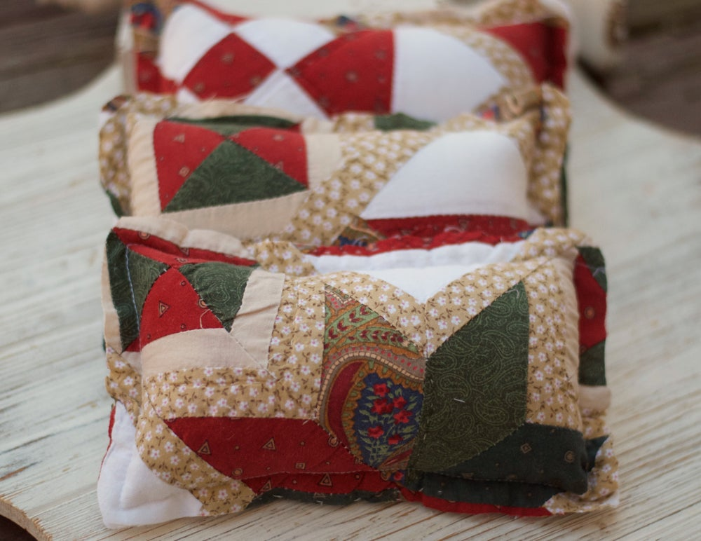 Image of Vintage quilted pillow (Christmas)
