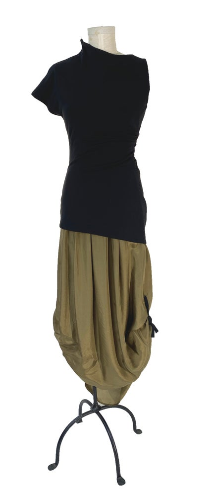 Image of abscission top black