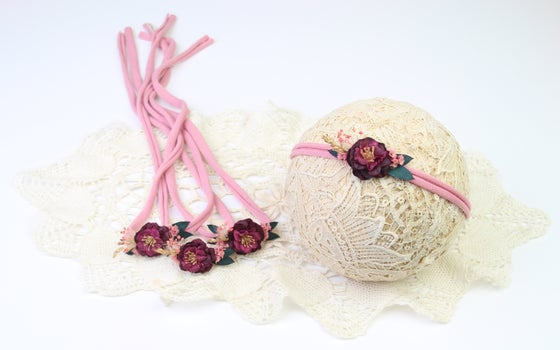 Image of Petite Preserved & Faux Florals Tieback - a