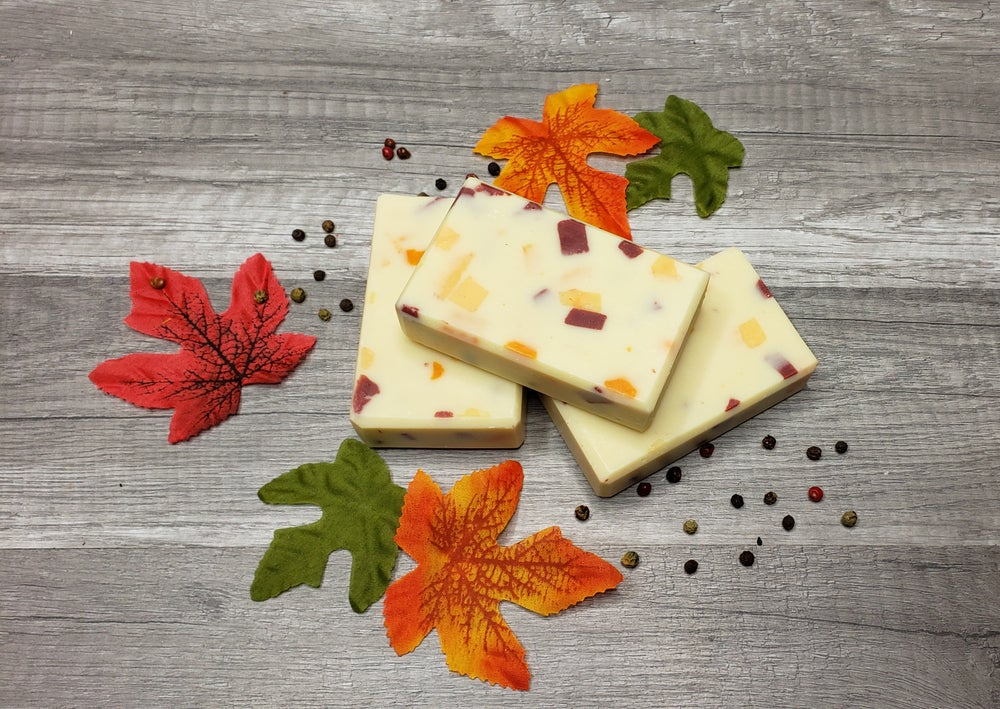 Image of SWEET ORANGE AND CLOVE BUD ESSENTIAL OIL SOAPS